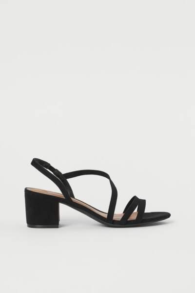Sandales noires, H&M, 14,99€