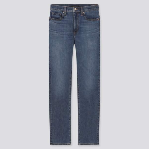 Jean droit taille haute coupe slim, Uniqlo, 39,90€