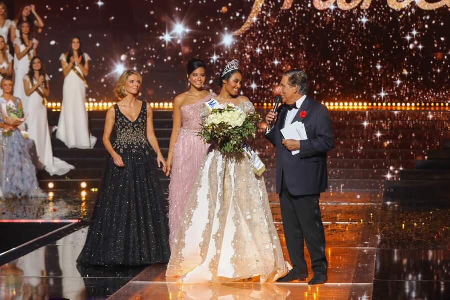Sylvie Tellier et Jean-Pierre Foucault heureux de féliciter Clément Botino, élue Miss France 2020