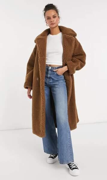 Manteau duveteux en imitation peau de mouton, Monki, 76,45 €