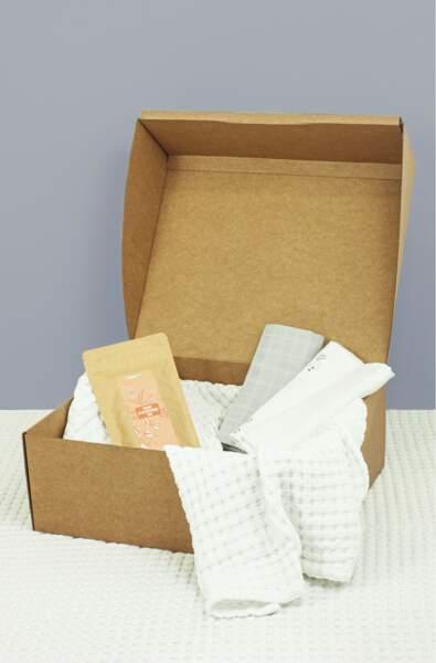 Coffret cadeau maman et bébé avec une tisane, des langes et une couverture, Kadolis, 39,90€