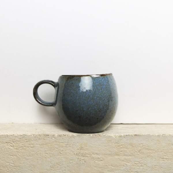 Tasse ronde bleu nocturne, Céladon, 13€