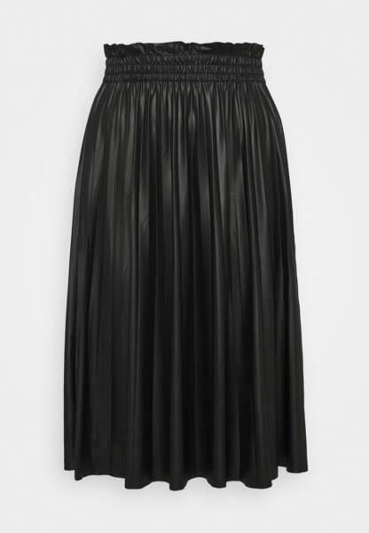 Jupe en simili-cuir, Vero Moda Tall, actuellement à 14,09€