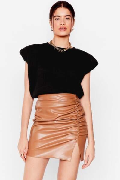 Mini jupe en smili cuir fendue et froncée, Nasty Gal actuellement à 16€