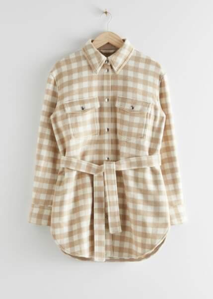 Chemise oversize à carreaux ceinturée, & Other Stories, 74€ au lieu de 149€