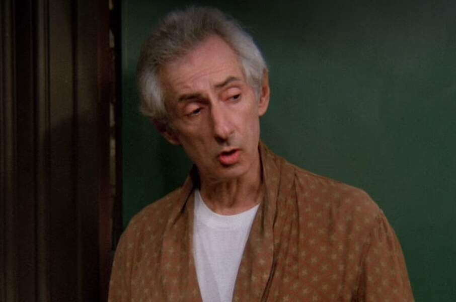 Monsieur Heckles (Larry Hankin) dans Friends