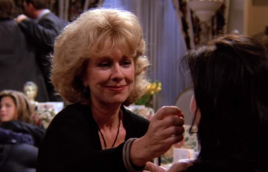 Judy Geller (Christina Pickles) dans Friends
