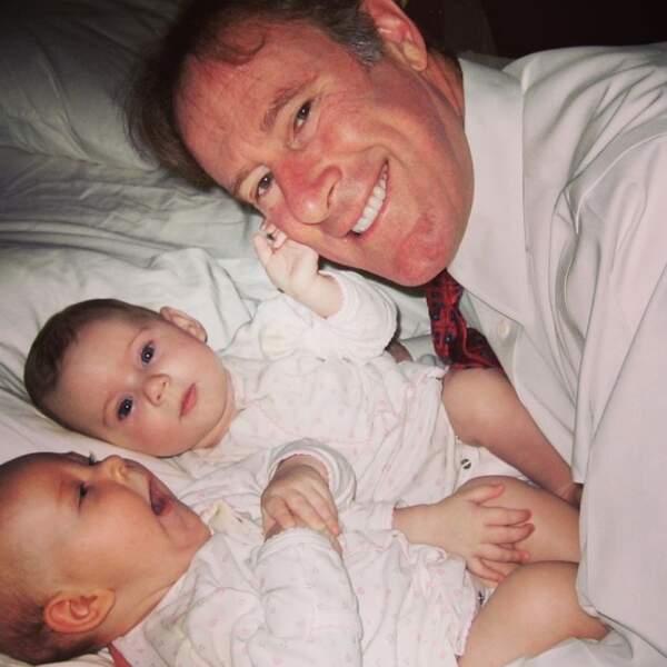 Tom Mahoney, mari de Marcia Cross et leurs jumelles