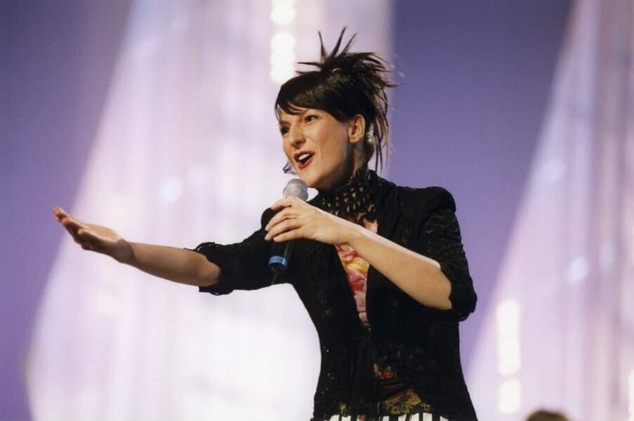 Je veux donner ma voix chantait Nayah en 1999. Elle n'a pas été entendue et n'a remporté que 14 points, se classant à la 19ème place