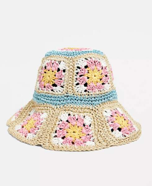 Chapeau crochet à fleurs, Urban Outfitters, 32€