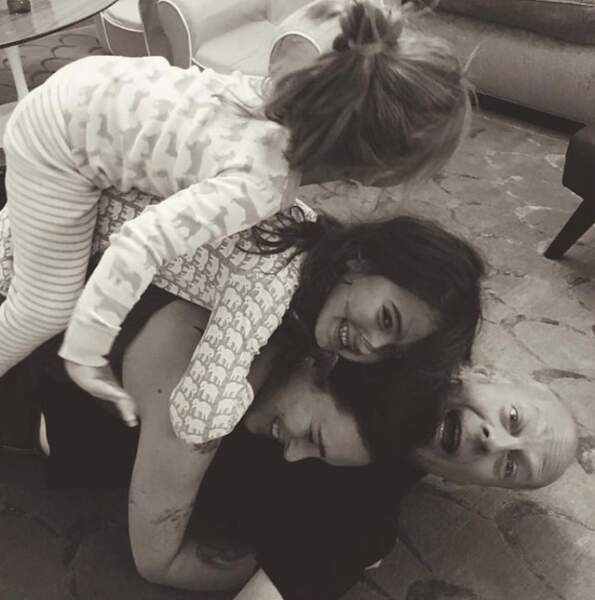 Bruce Willis est gaga de ses cinq filles