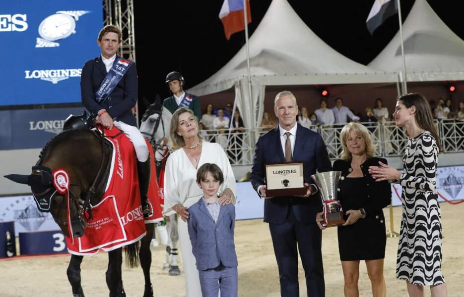 Caroline et Charlotte de Monaco, Raphaël Elmaleh remettent le prix à l'irlandais Darragh Kenny qui a terminé premier