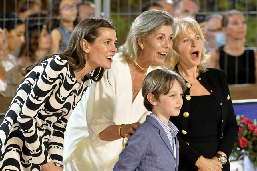 La princesse Caroline de Hanovre avec sa fille, Charlotte Casiraghi, et son petit-fils Raphaël Elmaleh, 7 ans assiste au Jumping International de Monte Carlo ce samedi 3 juillet