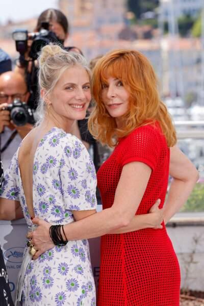 Mélanie Laurent et Mylène Farmer en ont profité pour poser à deux