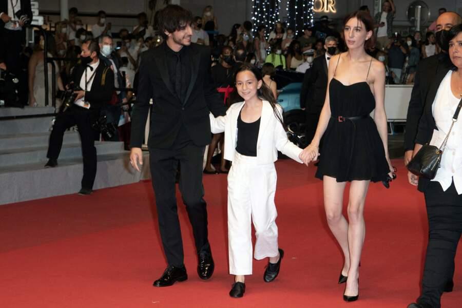 Ben, Alice et Joe Attal montent les marches à Cannes