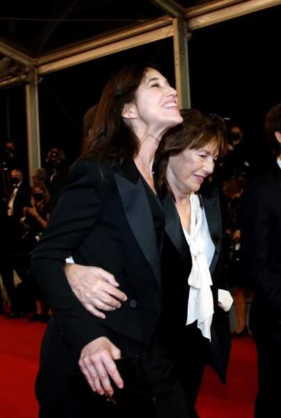 Charlotte Gainsbourg et sa mère Jane Birkin à Cannes