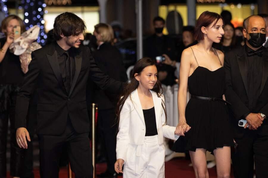 Ben Attal, Alice Attal et Joe Attal suivent leur mère Charlotte Gainsbourg