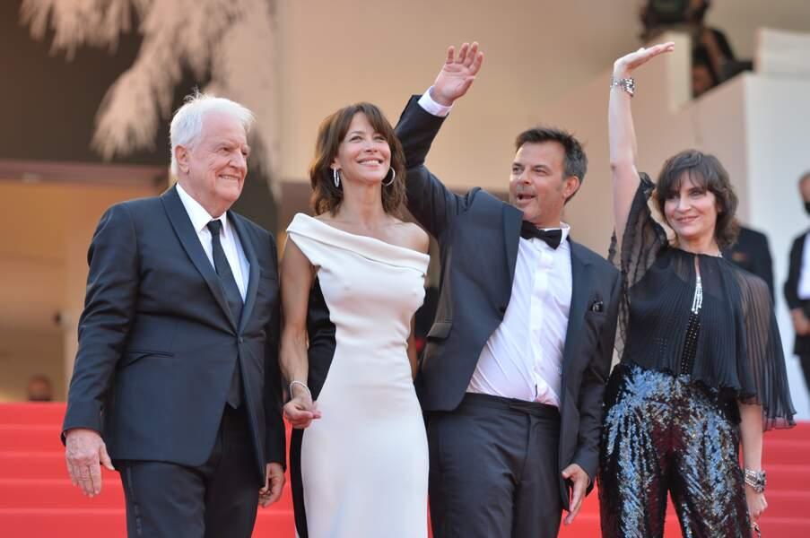 Sophie Marceau en no bra à Cannes