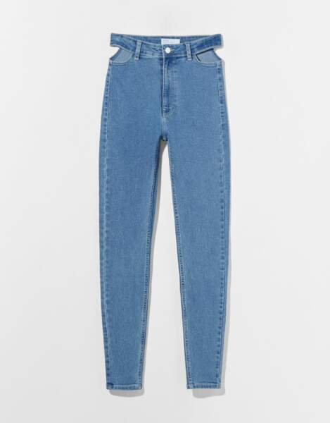 Jeans jegging taille très haute cut out, Bershka, 19,99€