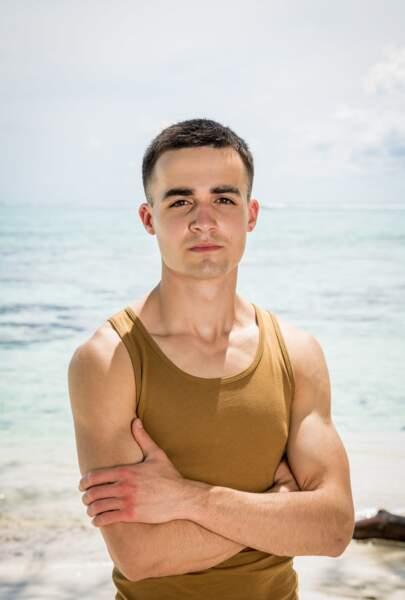 Sam : 22 ans 1 participation : L'île des héros (Fidji 2020)