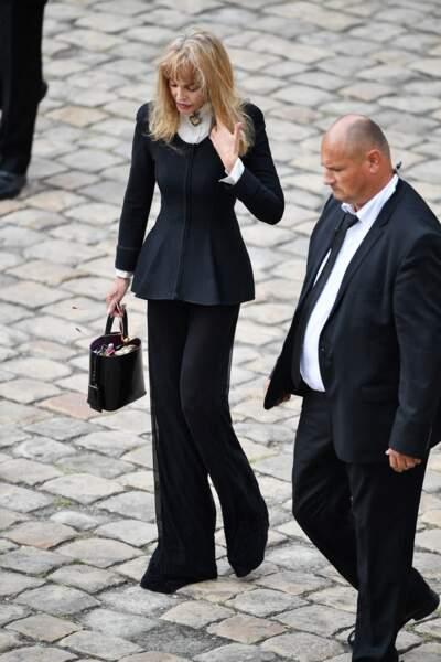 Arielle Dombasle, elle, est apparue sans son compagnon Bernard-Henri Lévy