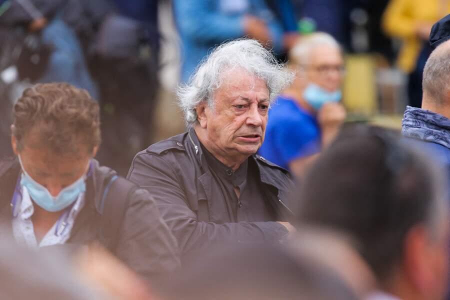 Obsèques de Jean-Paul Belmondo  :  Hervé Vilard