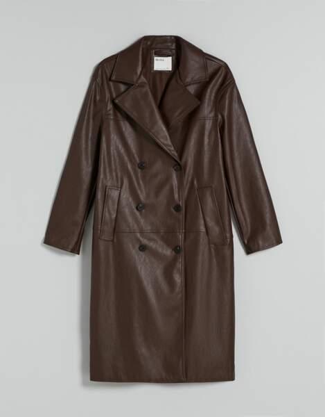 Trench imperméable en simili cuir marron, Bershka, 49,99€
