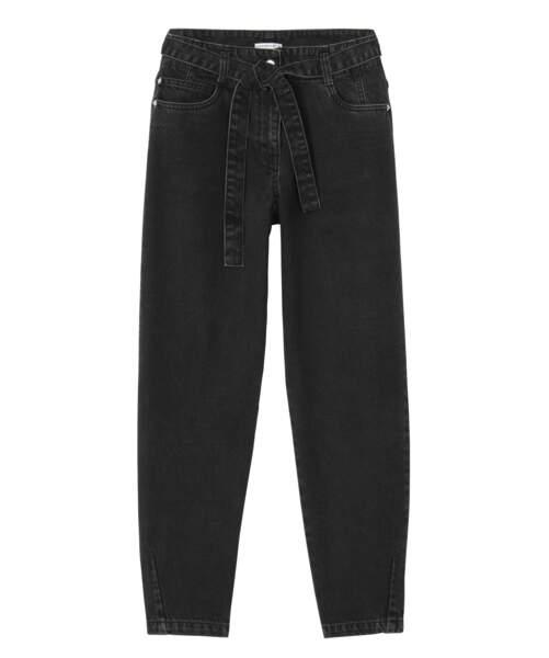 Gémo x Lulu Castagnette, jean noir ceinturé, 34,99 €