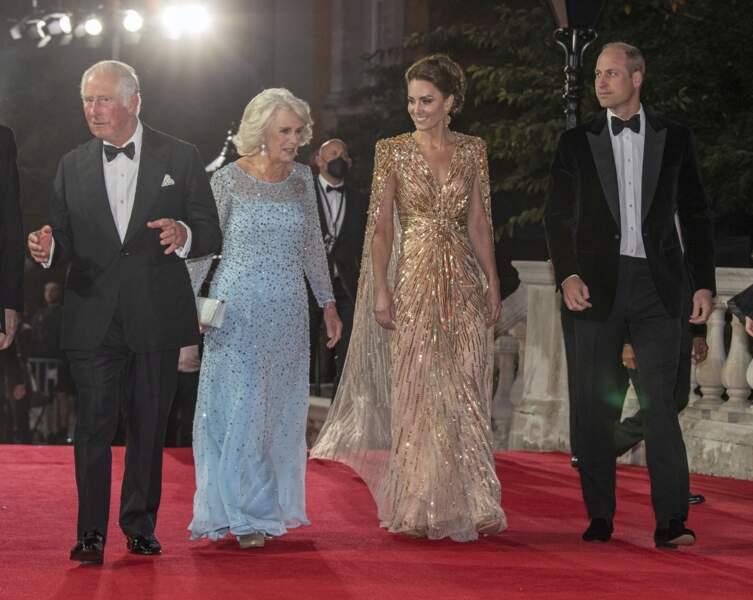 La famille royale assiste à l'avant-première de James Bond, Mourir peut attendre