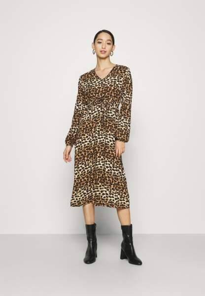 Robe léopard, Pieces sur zalando, 39,99€