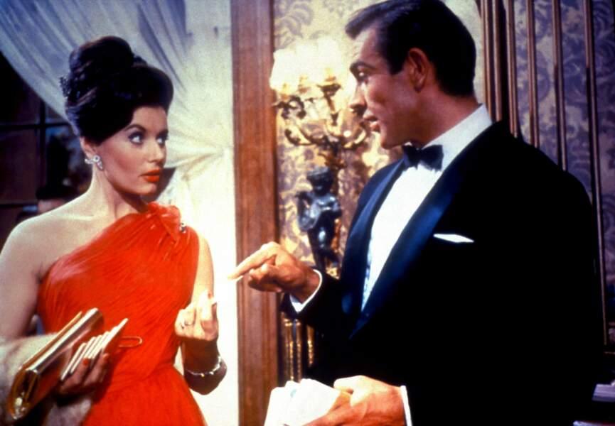 Eunice Gayson dans James Bond 007 contre Dr No